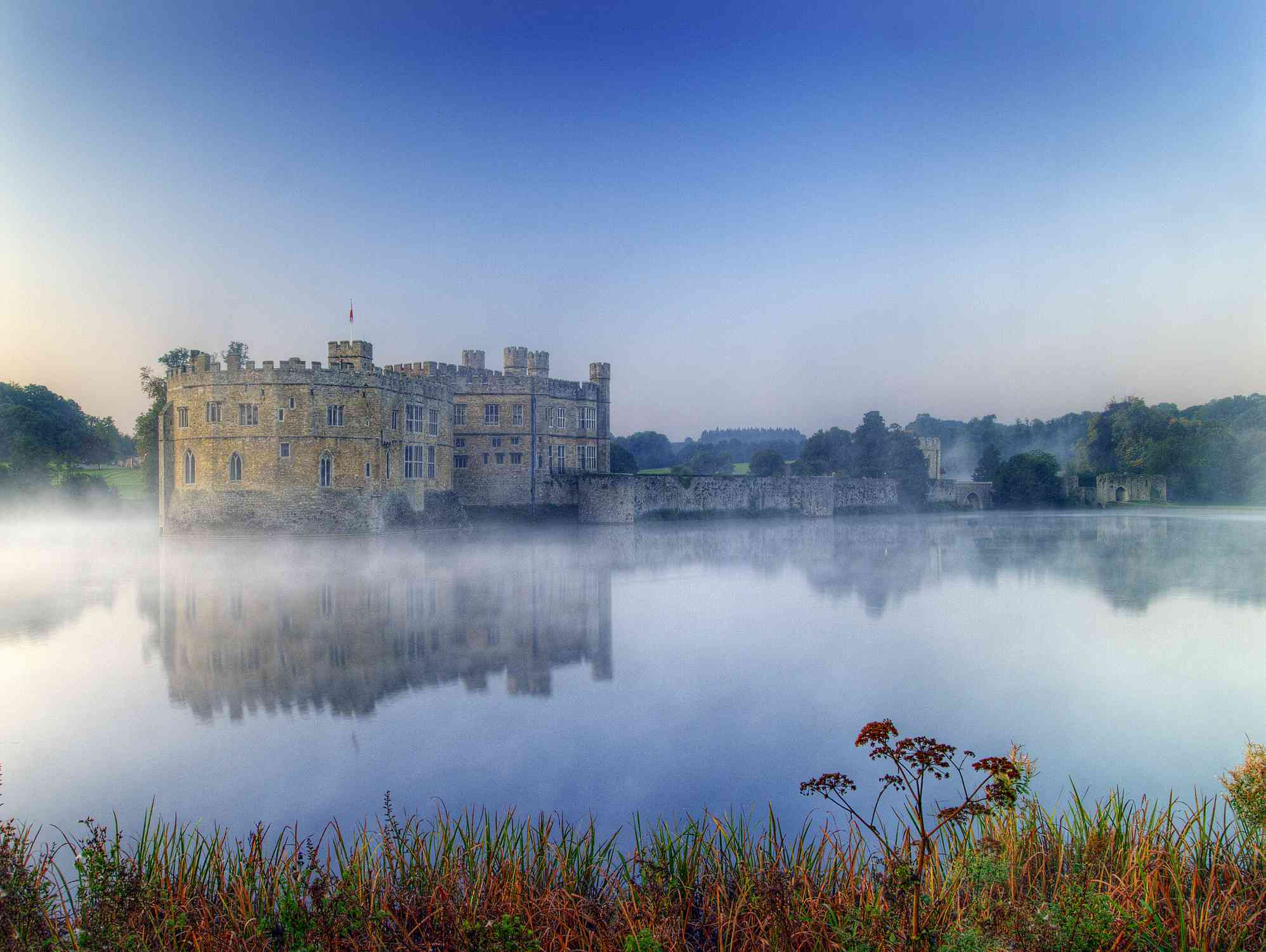 Leeds castle at dawn