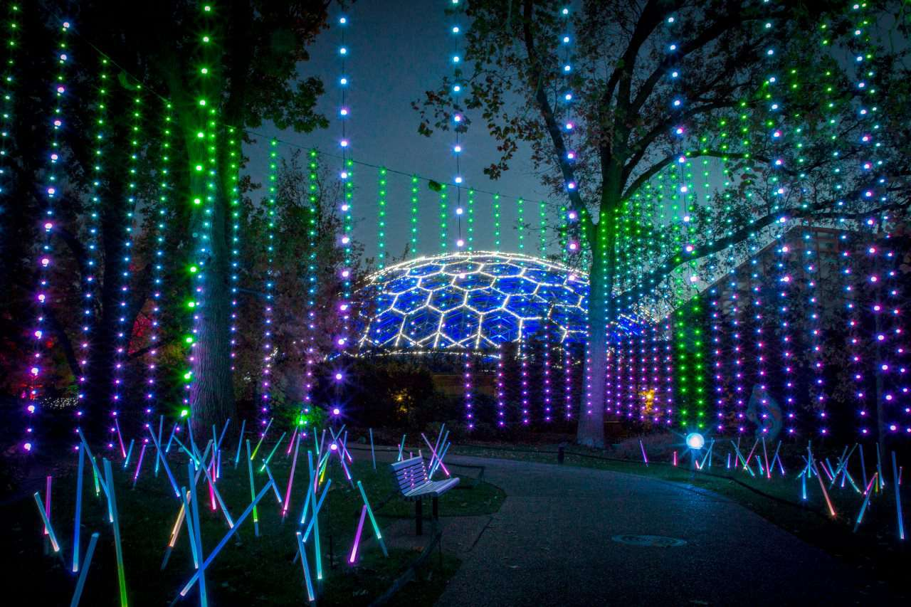 Things To Do On Christmas Eve 2020 Botanical Gardens St.Louis The Best Christmas Light Displays in St. Louis