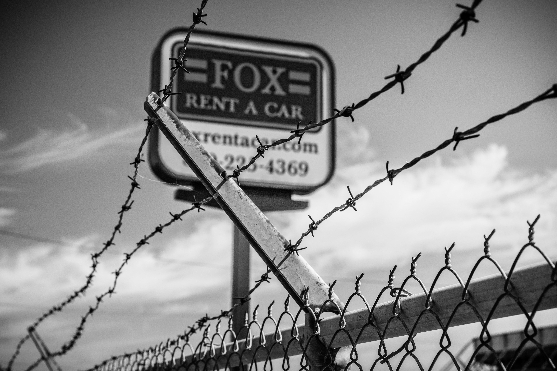 Fox rent a car sign