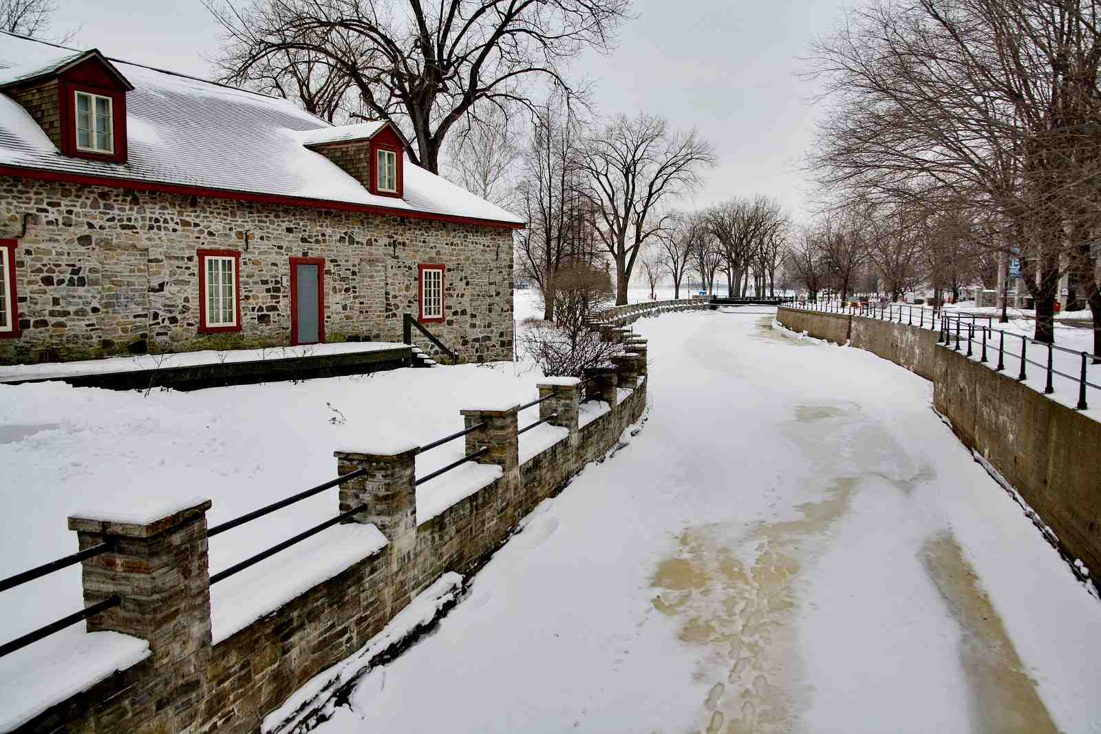 Montreal snowshoeing destinations include the Lachine Canal.