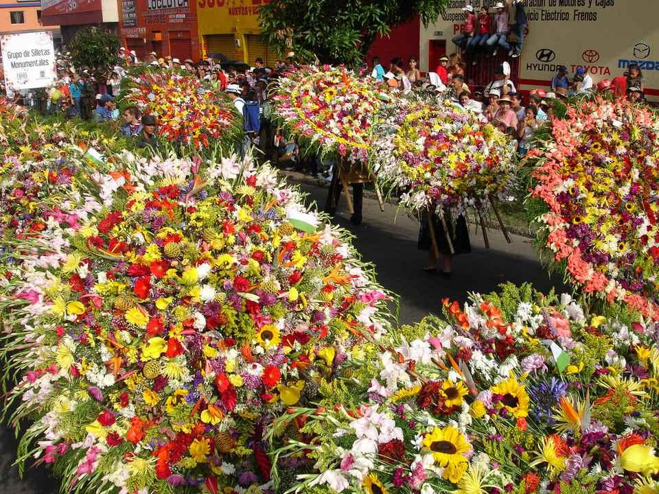 Silleteros Medellin Colombia