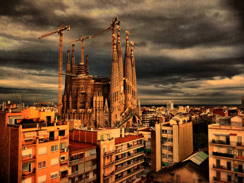 You can even stay right by the Sagrada Familia
