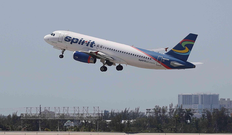Spirit Airlines cancela cientos de vuelos en medio de la agitación de la compañía