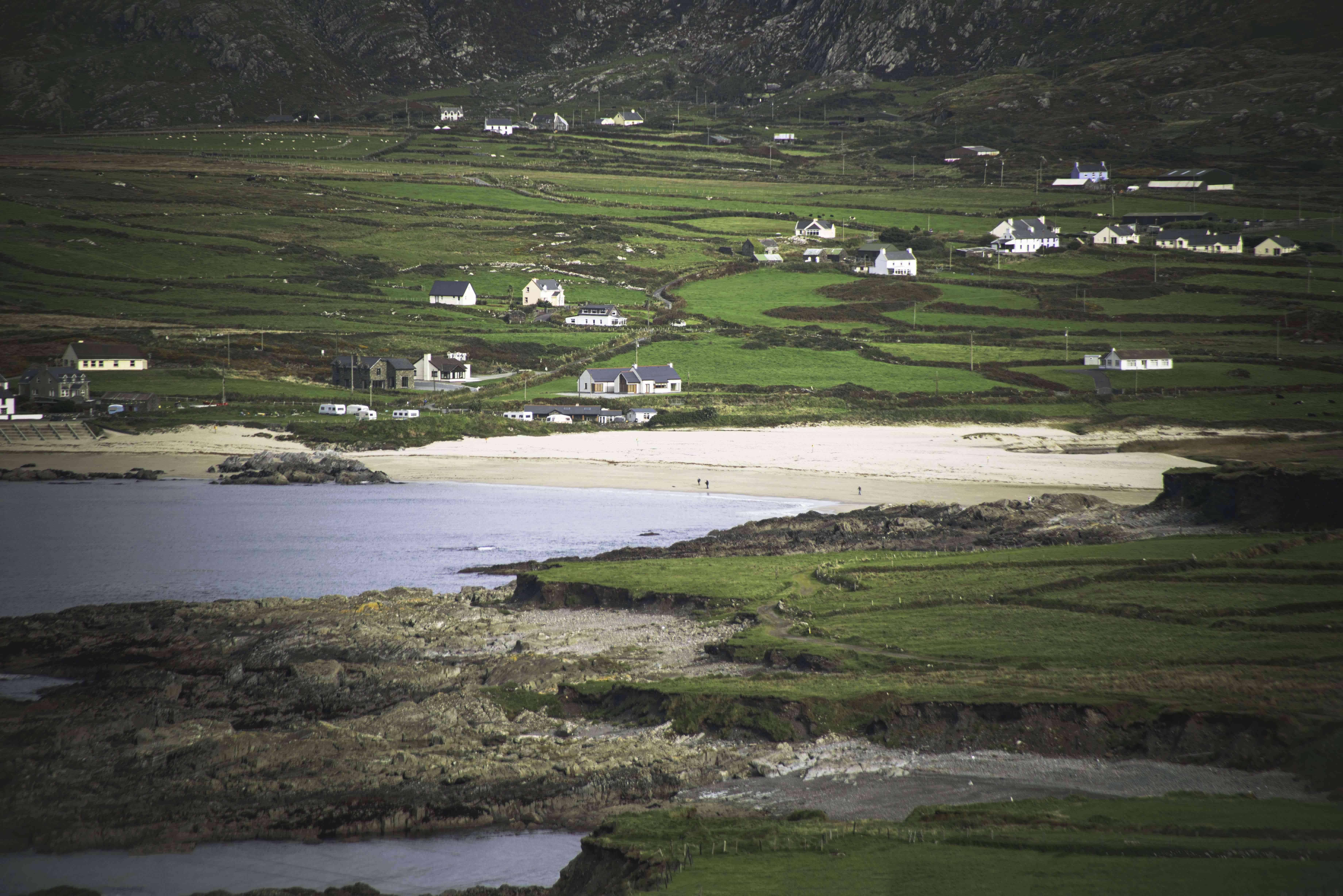Houses along the coast of Beara Way