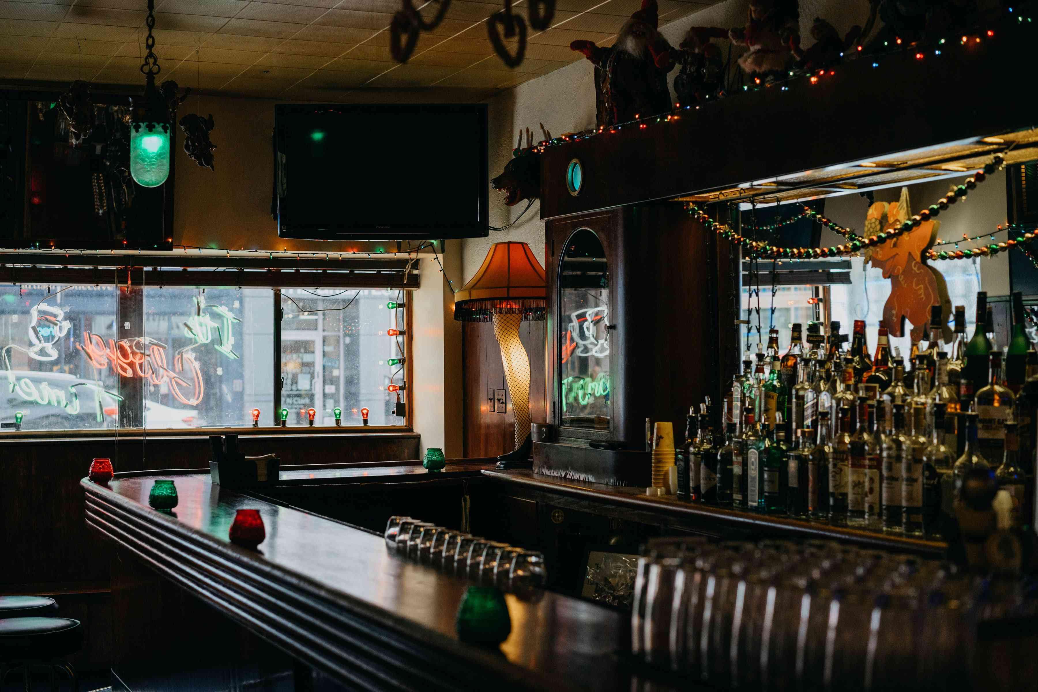 Illinois Dive Bar