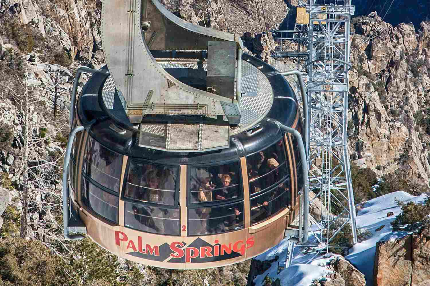 Riding the Palm Springs Tramway