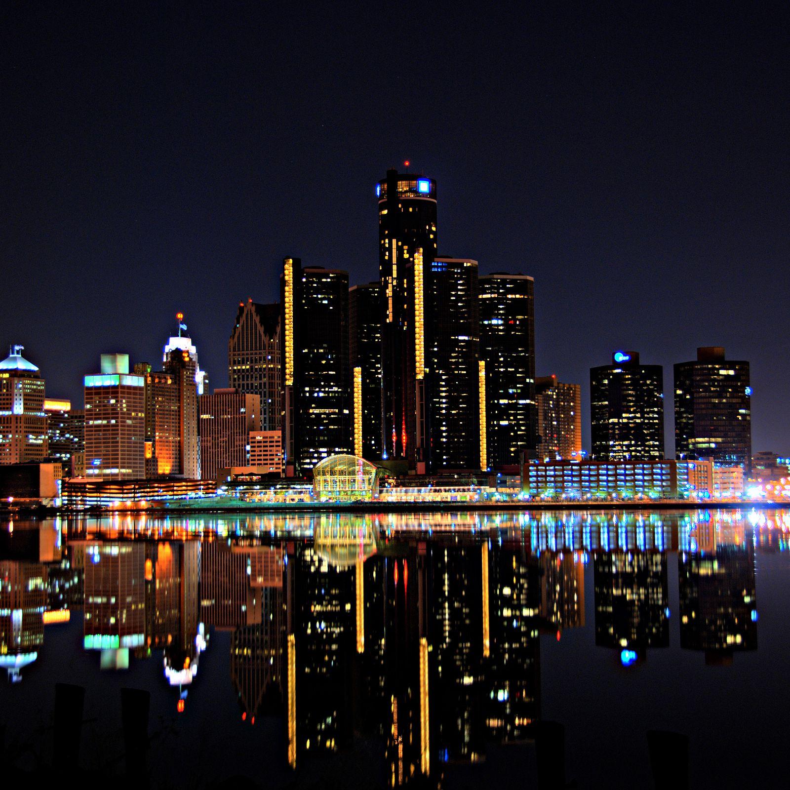 Nightlife in Detroit: Best Bars, Clubs, & More