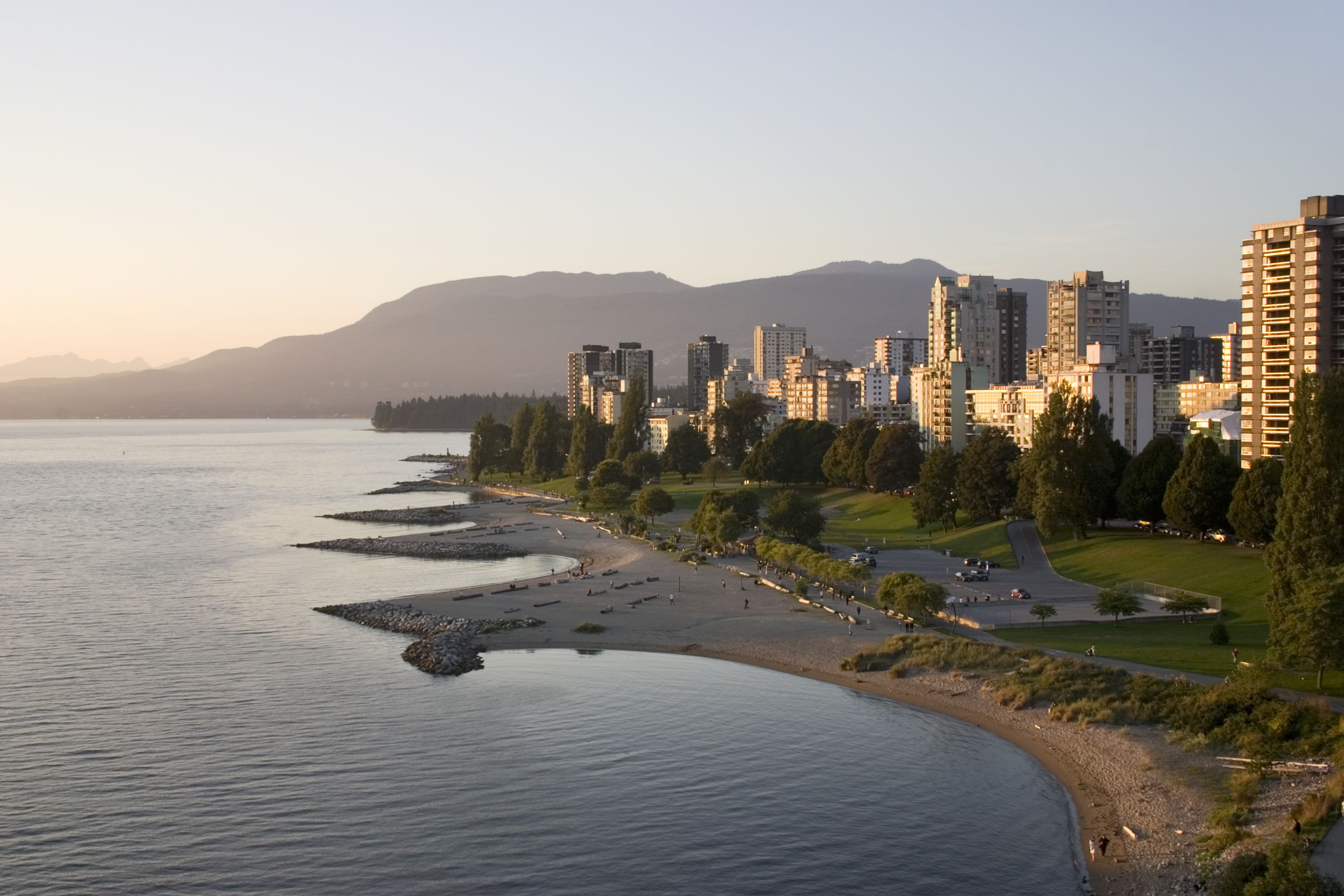 guide to the west end in vancouver  bc