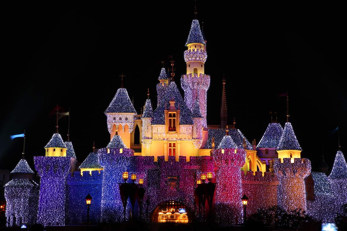 Christmas In Disneyland Hong Kong.5 Christmas Traditions In Hong Kong