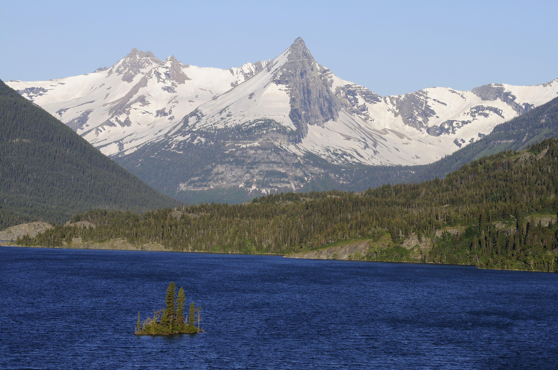 Saint Marys Glacier Lake with Wild Goose Island, Fusillade Mountain, Glacier National Park, Rocky Mountains, Montana, USA