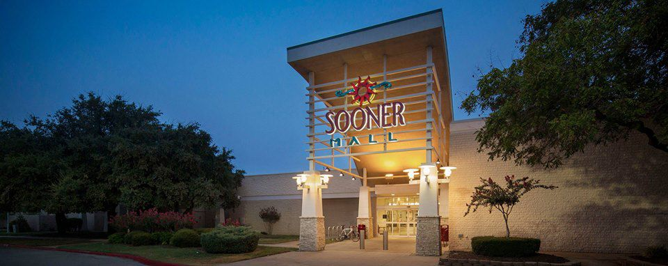 Entrance to Sooner Mall