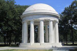The 1931 DC War Memorial in Washington, DC