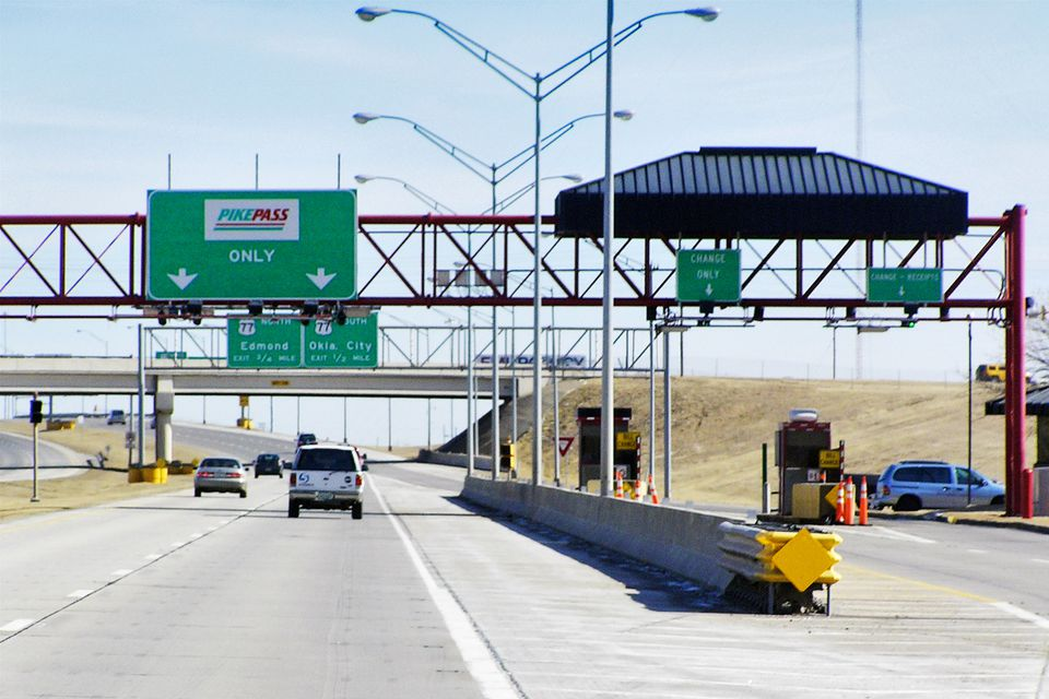 Oklahoma Turnpike toll plaza with PIKEPASS lanes