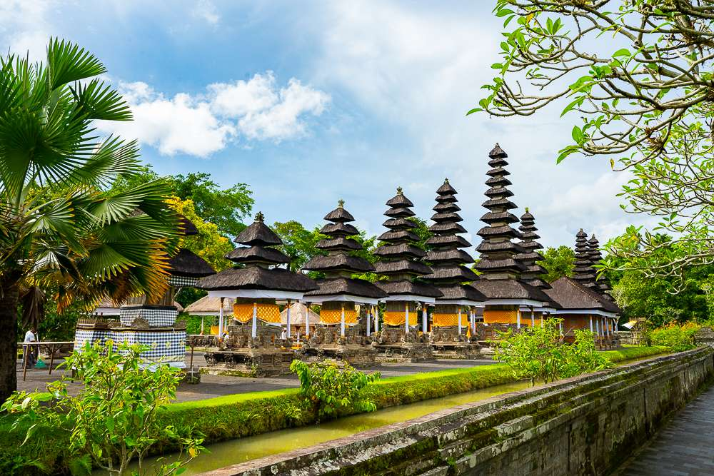 templo en el agua