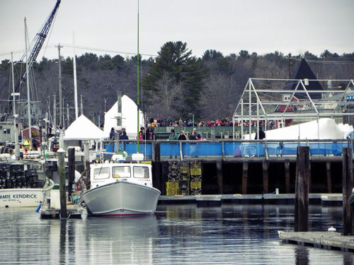kennebunkport christmas waiting for santa on the dock