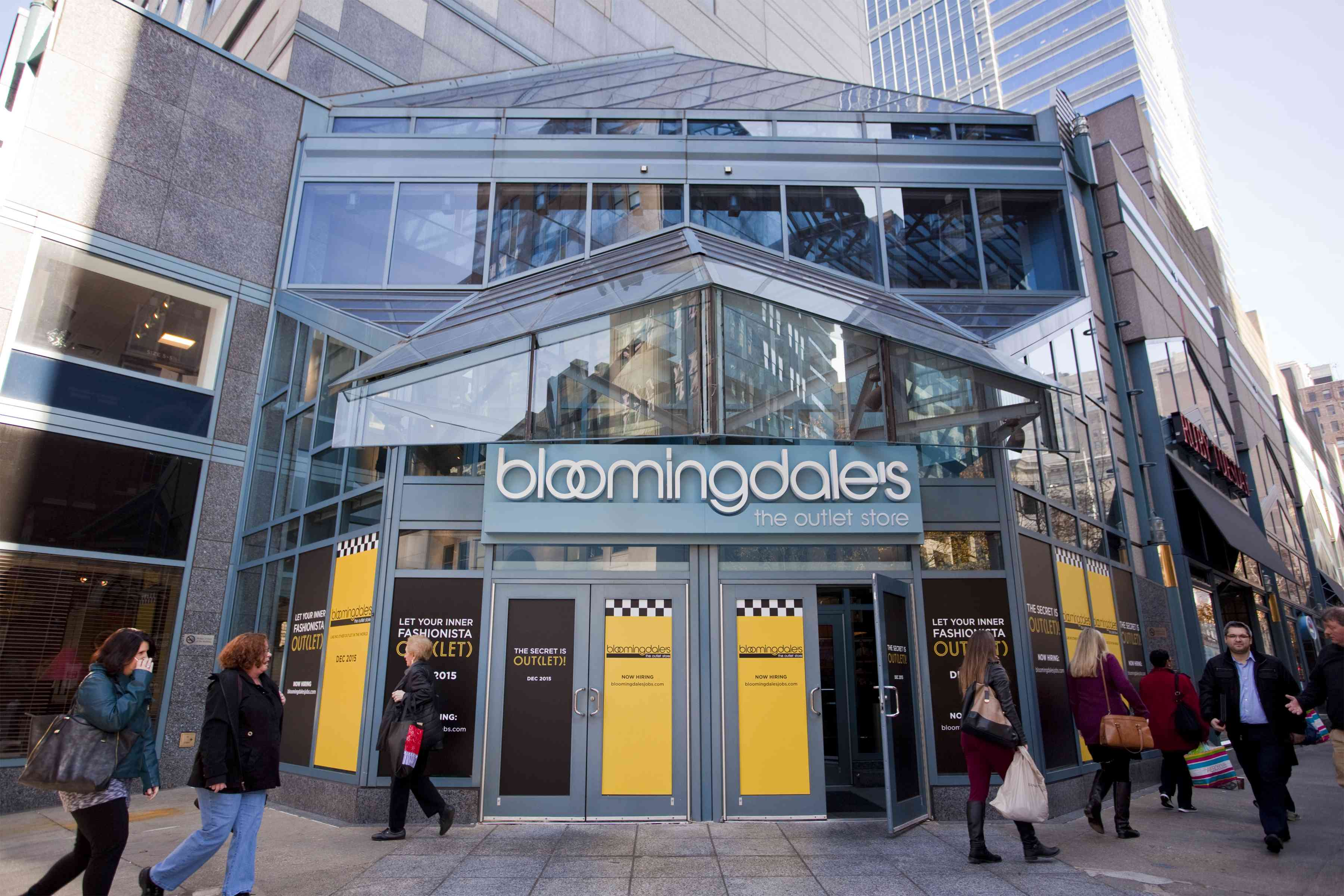 Bloomingdale's outlet in Philly