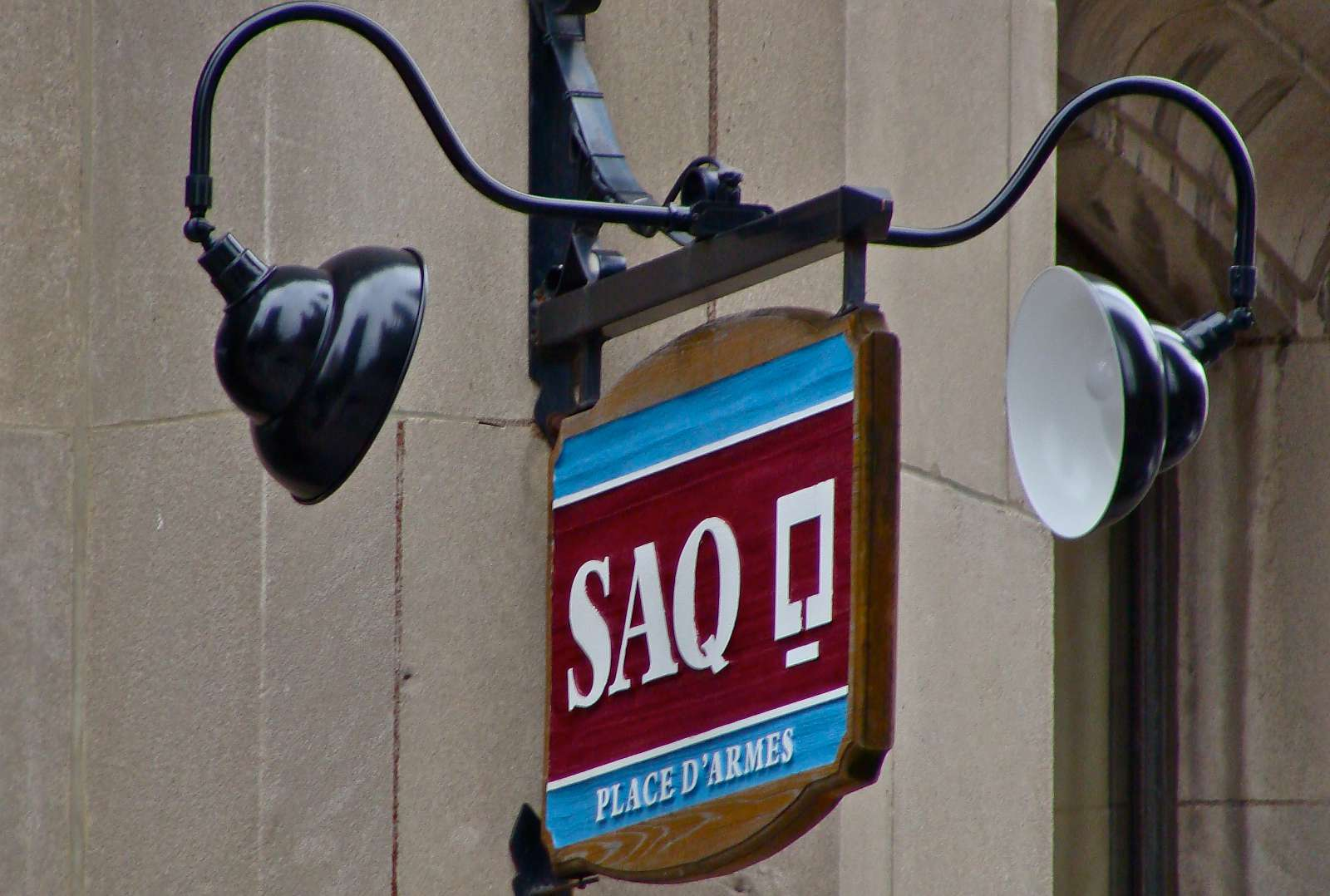 Palabras y expresiones francés canadiense en Quebec: SAQ