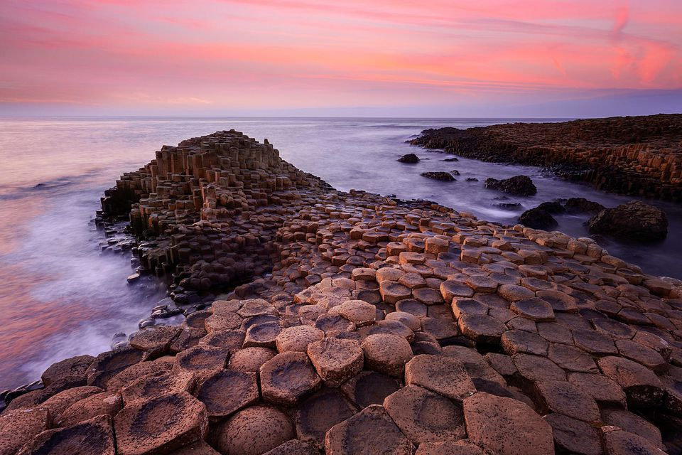 Ireland_GiantsCauseway_joe-daniel-price_Getty.jpg