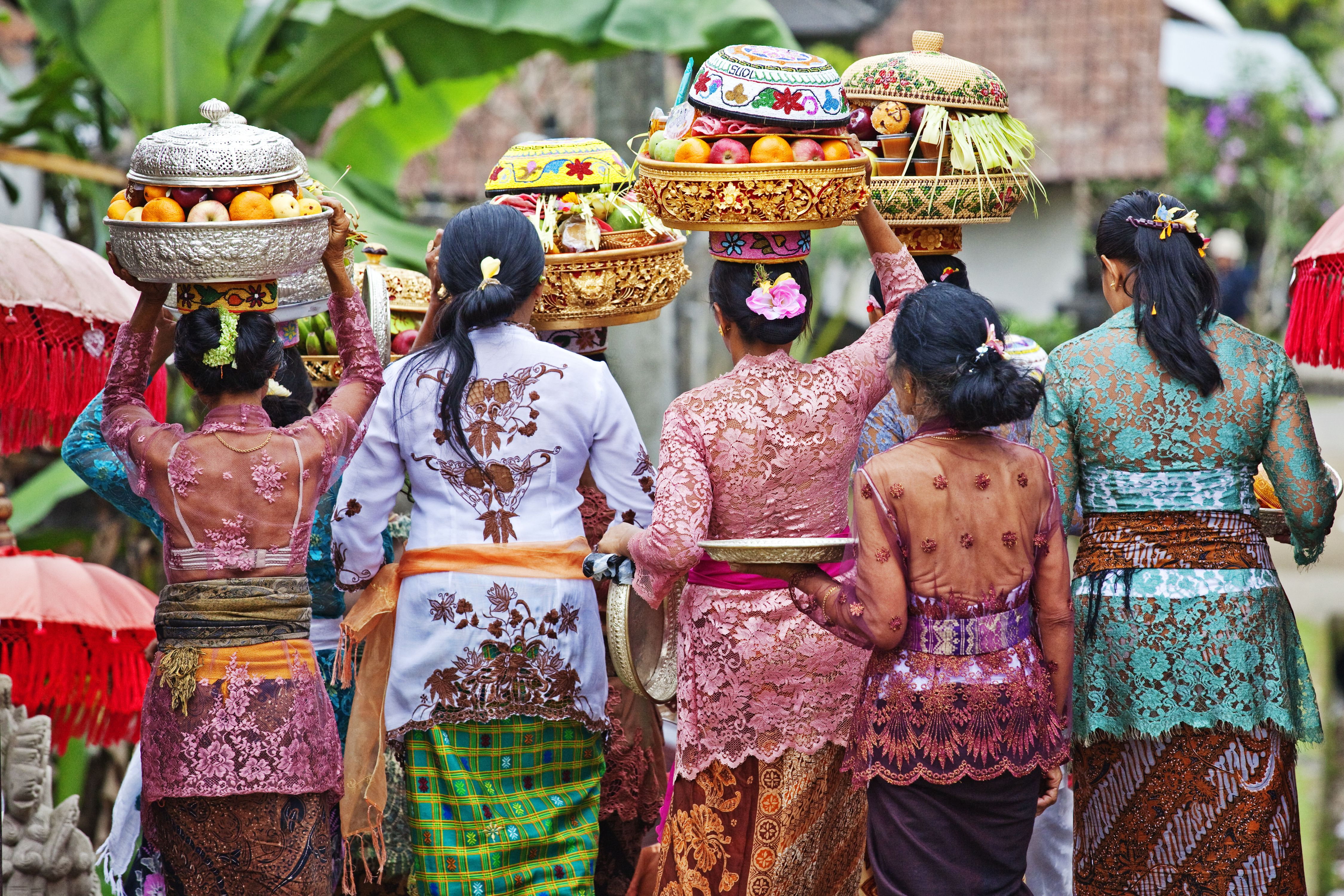 Indonesian Greetings: How to Say Hello in Indonesia