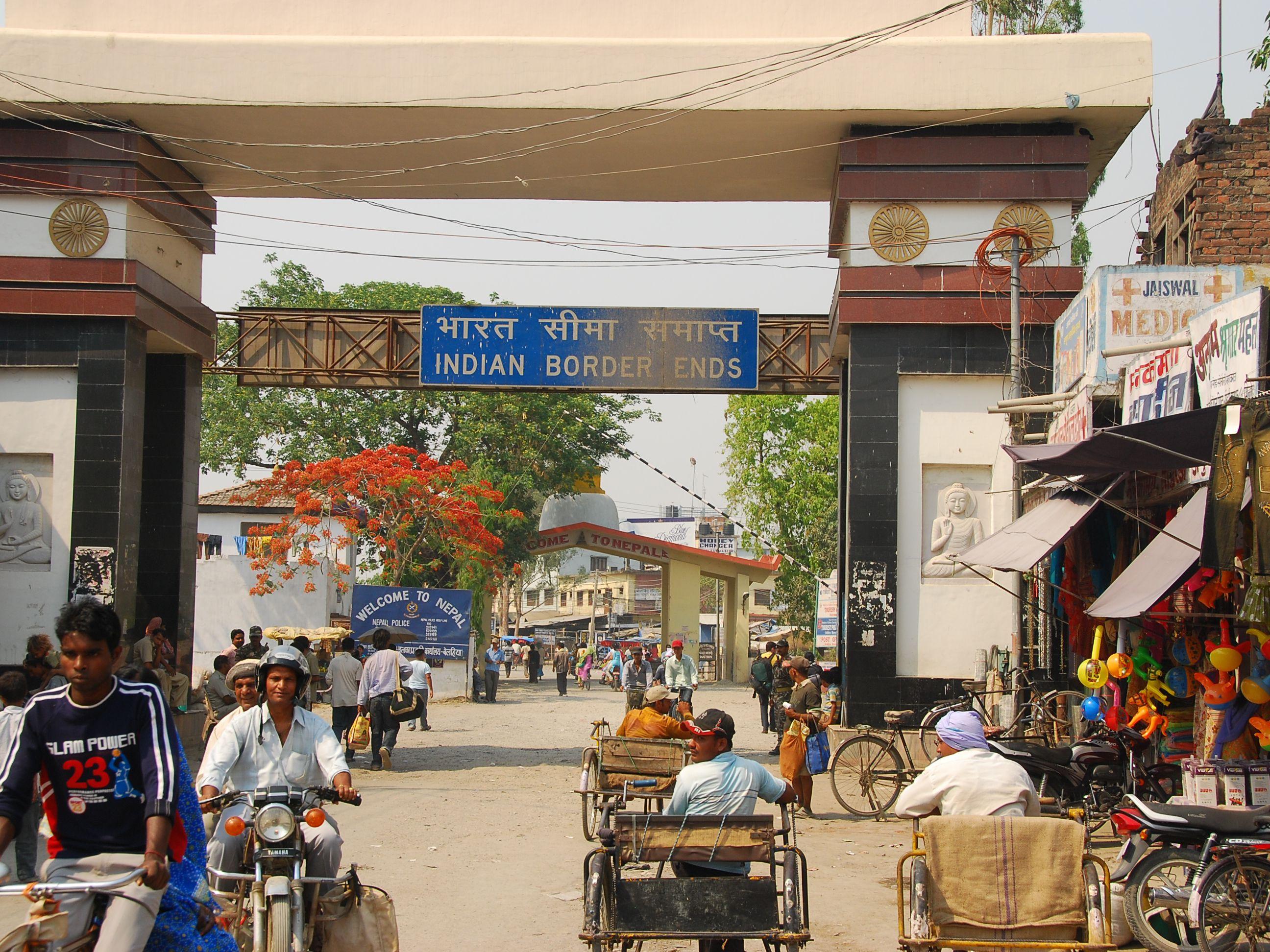 India Nepal Sunauli Border Crossing Tips