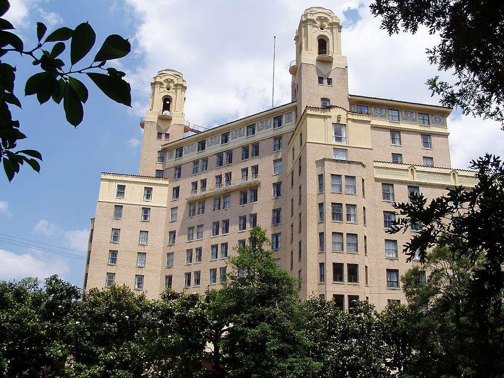 Arlington Resort Hotel and Spa