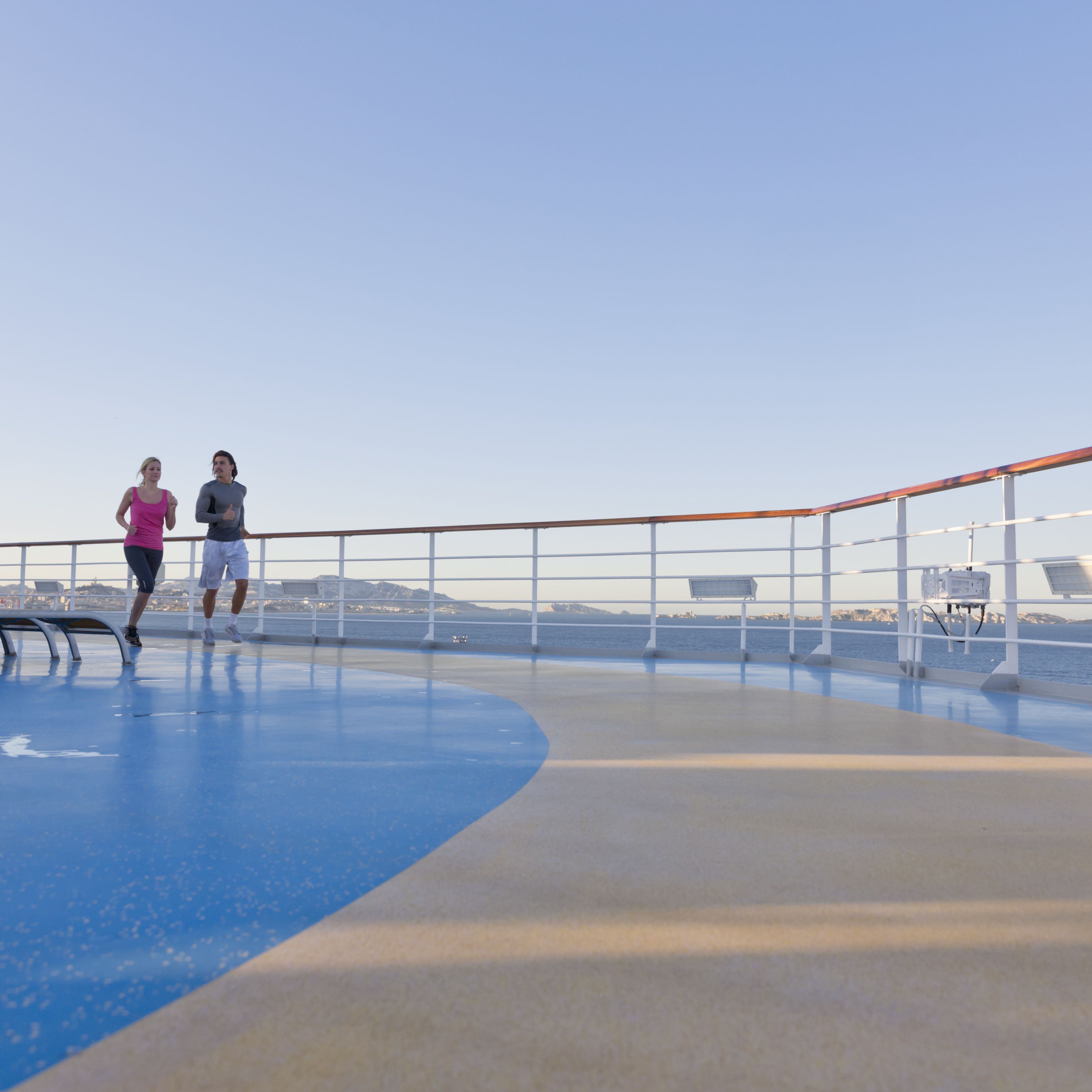 How to Stay Healthy While Cruising