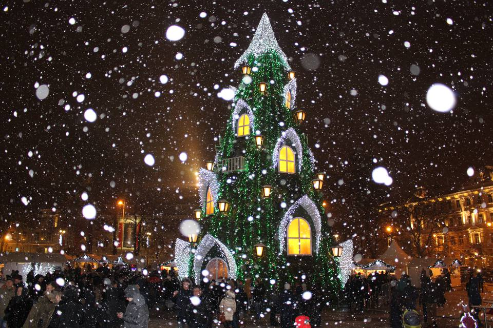 Lithuanian Christmas Market in the snow