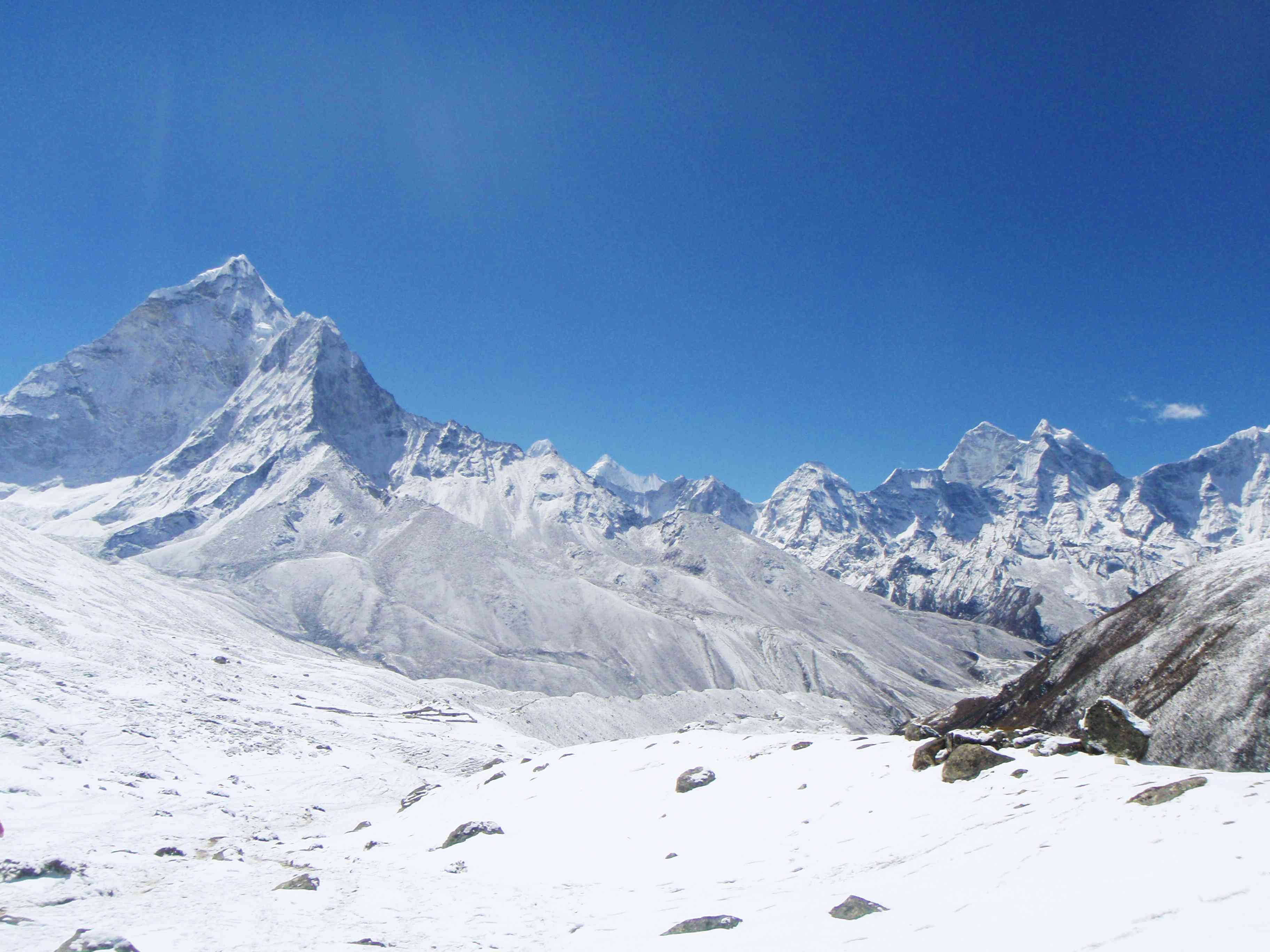 Snowy mountains on the Himalayan Trek
