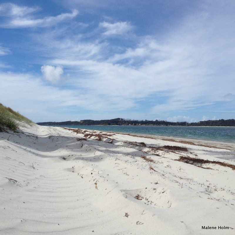 The North Island is surrounded by wonderful beaches