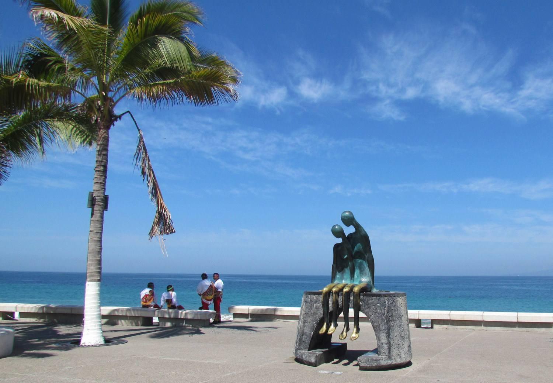 Nostalgia sculpture by Ramiz Barquet