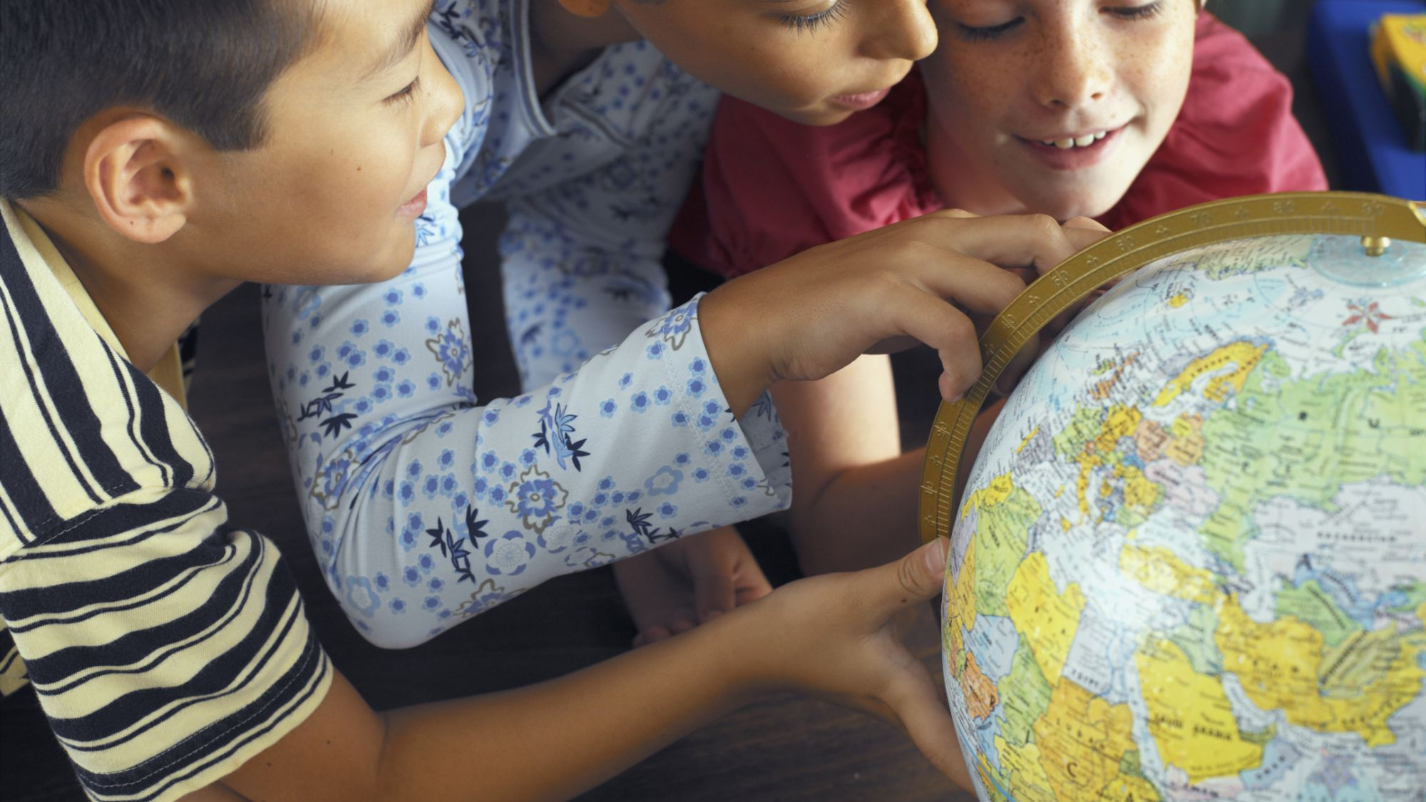 10 Activities That Teach Your Kids About World Cultures
