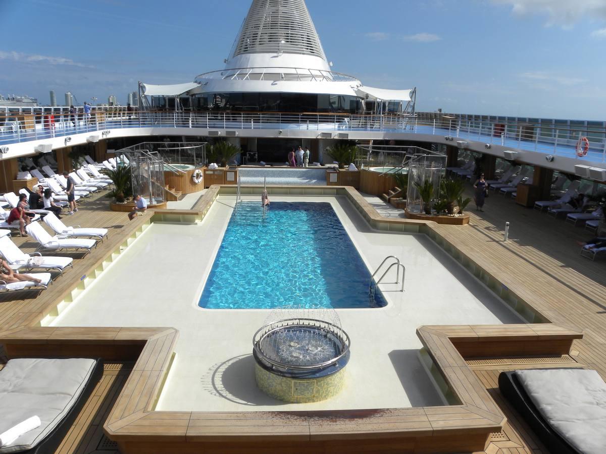 Marina of Oceania Cruises - Profile and Photo Tour