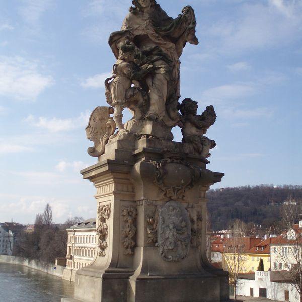 San Ludmilla en el Puente de Praga Praga