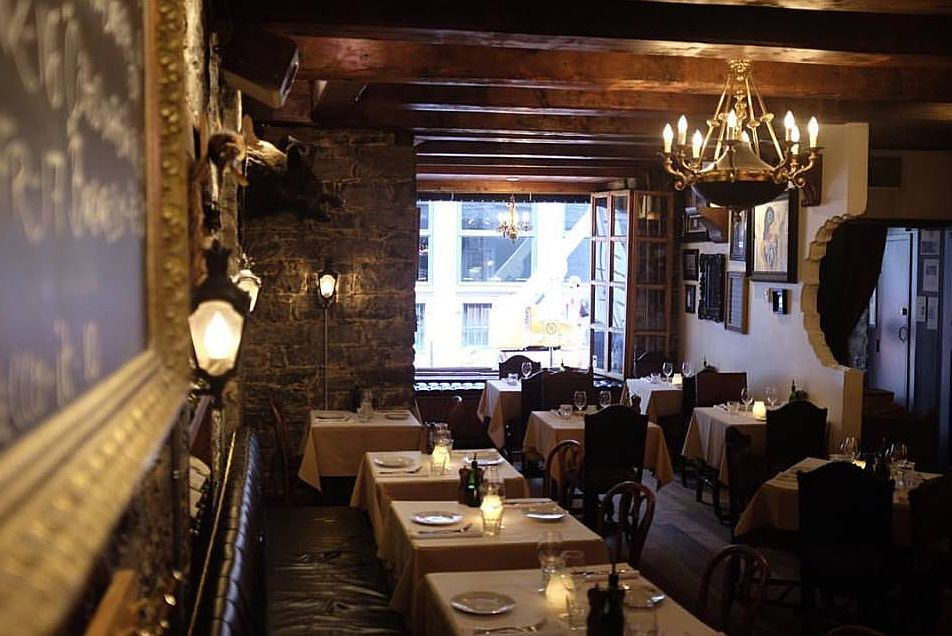 Barocco is an Old Montreal restaurant attracting an interesting clientele.