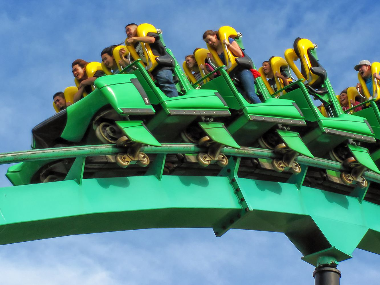 Magic Mountain Tickets and Discounts
