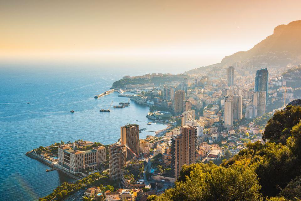 Paisaje urbano de Mónaco y el puerto