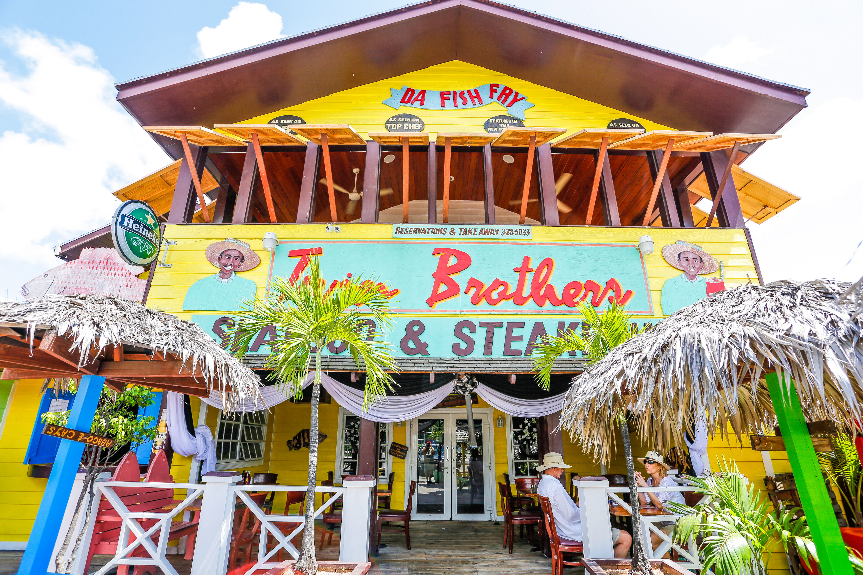Arawak Cay, Nassau, Bahamas , Bahamas, Isla Nueva Providencia, Nassau, Mercado de paja, bolsas de paja de las Bahamas, recuerdos