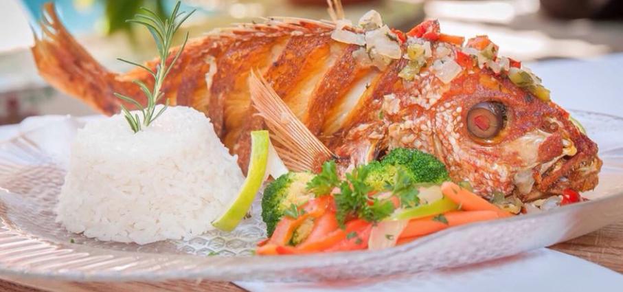 Plato de pescado del restaurante Barrachina San Juan