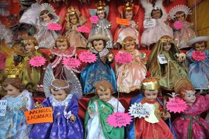 Baby Jesus images are sold in Mexico City for Candlemas Day