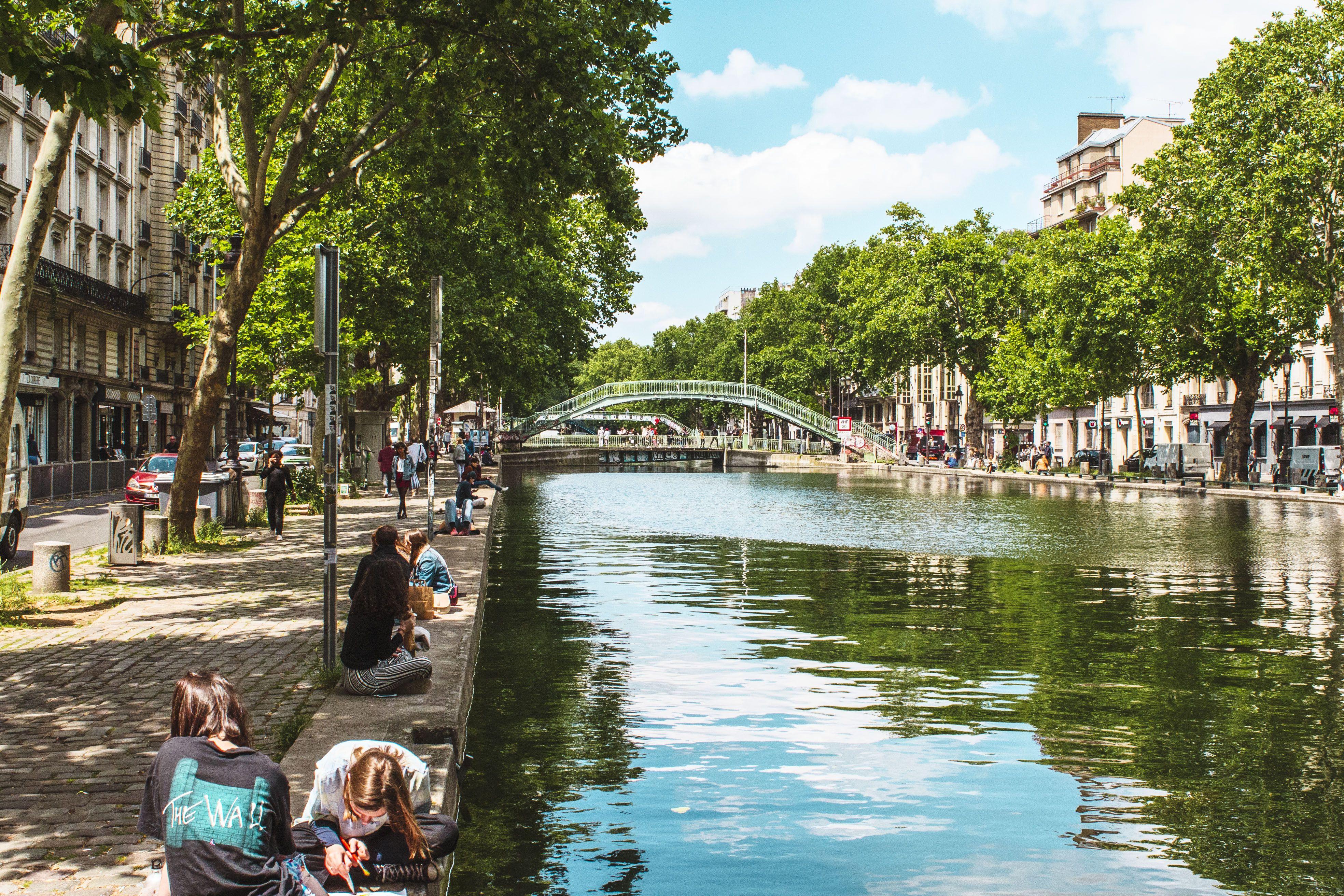 Terrasse Canal Saint Martin the canal saint-martin neighborhood in paris