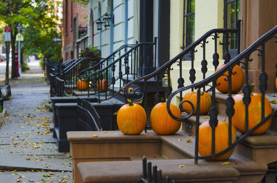 USA, New York State, New York City, Brooklyn, Brooklyn Heights, Halloween Pumpkins