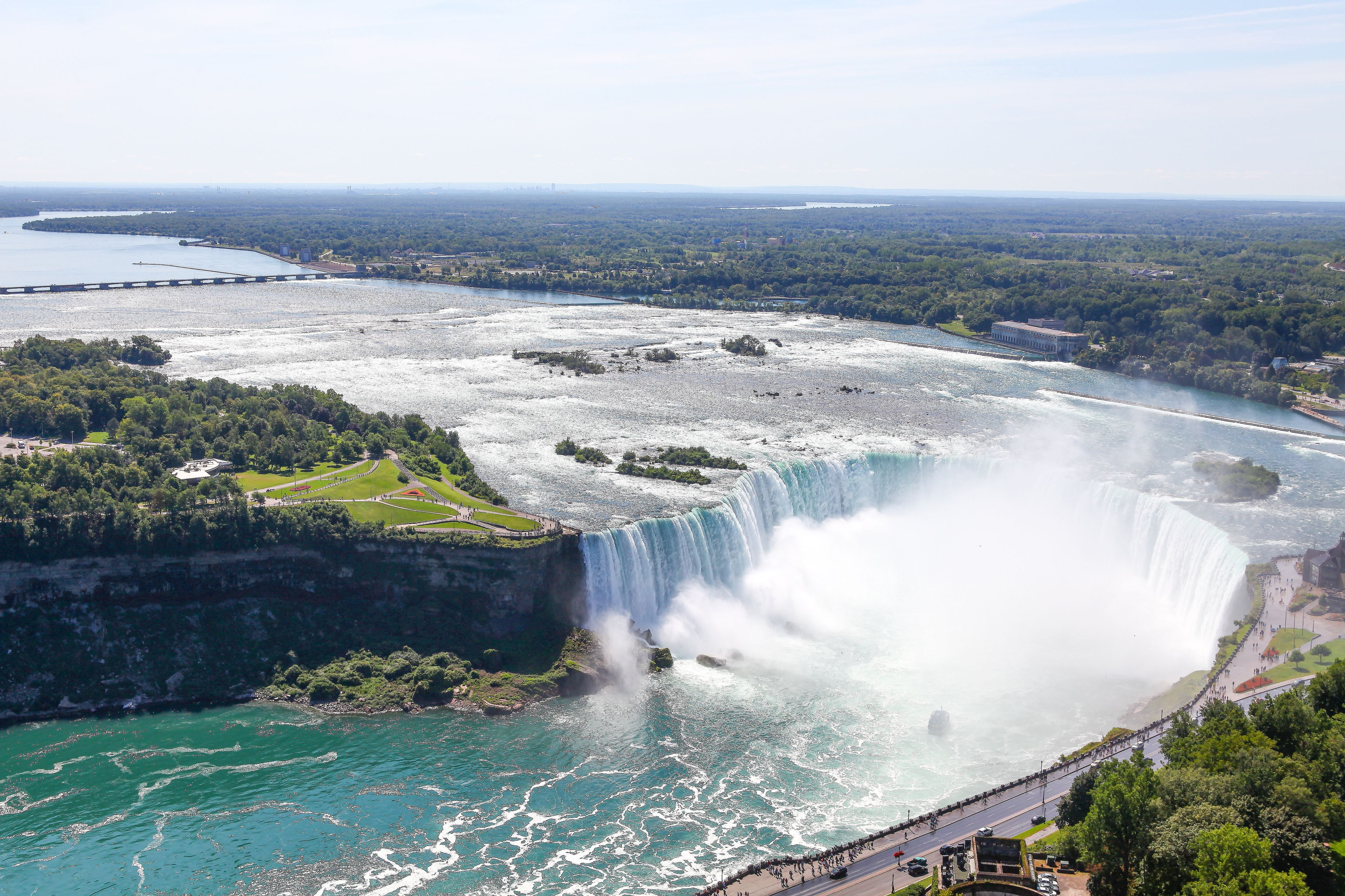 Casais swing niagara falls