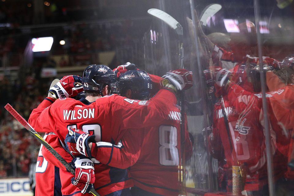 Washington Capitals hockey team huddle