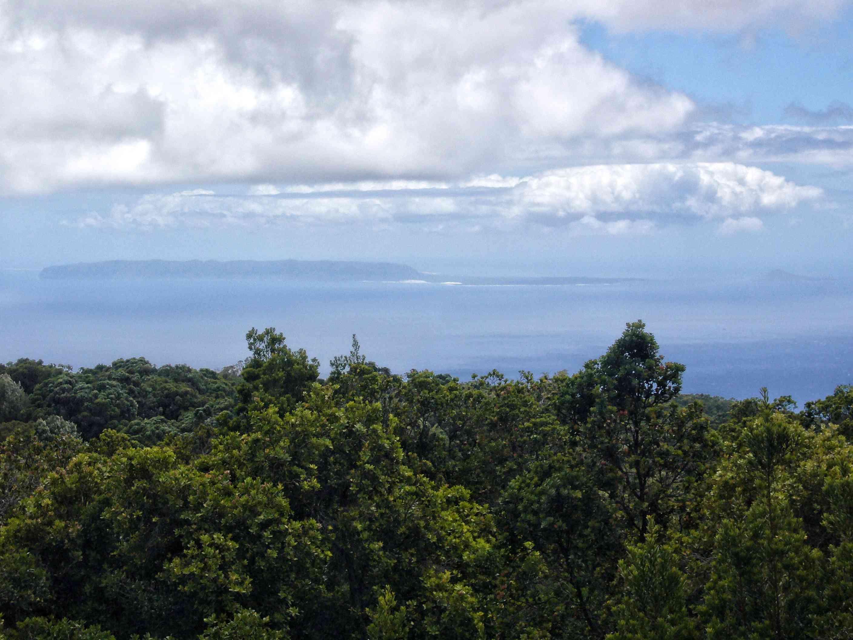 The island on Niihau in the distance from Kauai