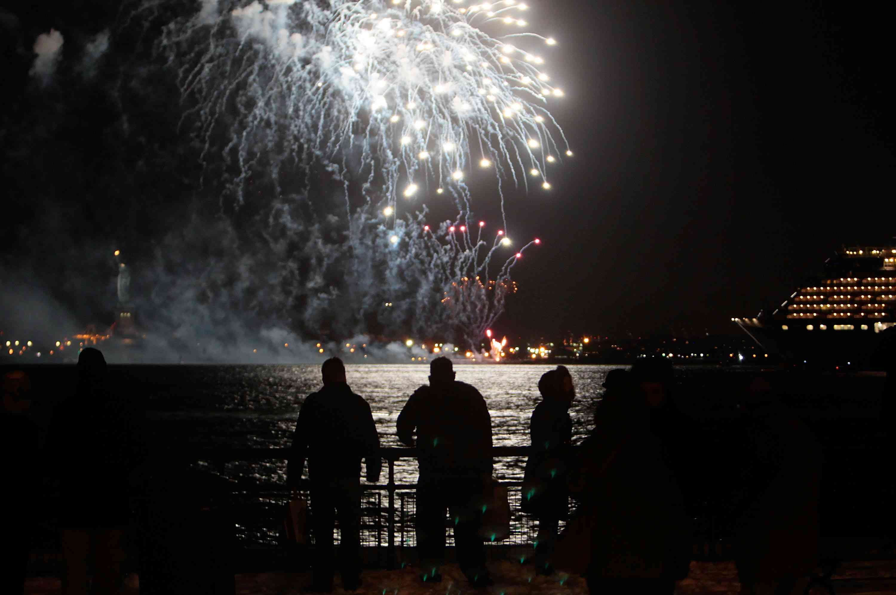 Three Cruise Ship 'Queens' Gather In New York City on New Years Eve
