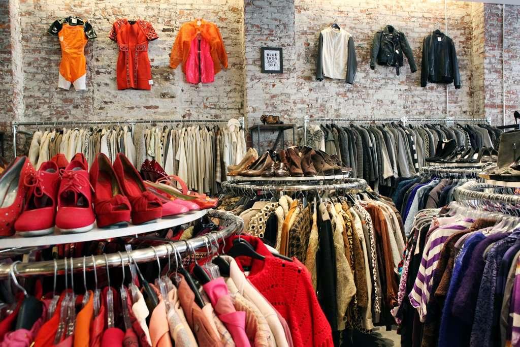 Vintage shopping at Beacon's Closet Greenpoint