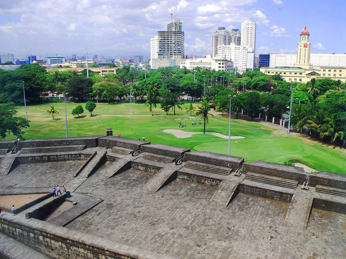 The Dilao fortifications facing Manila City Hall