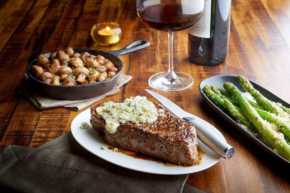 Chart House steak, mushrooms and asparagus