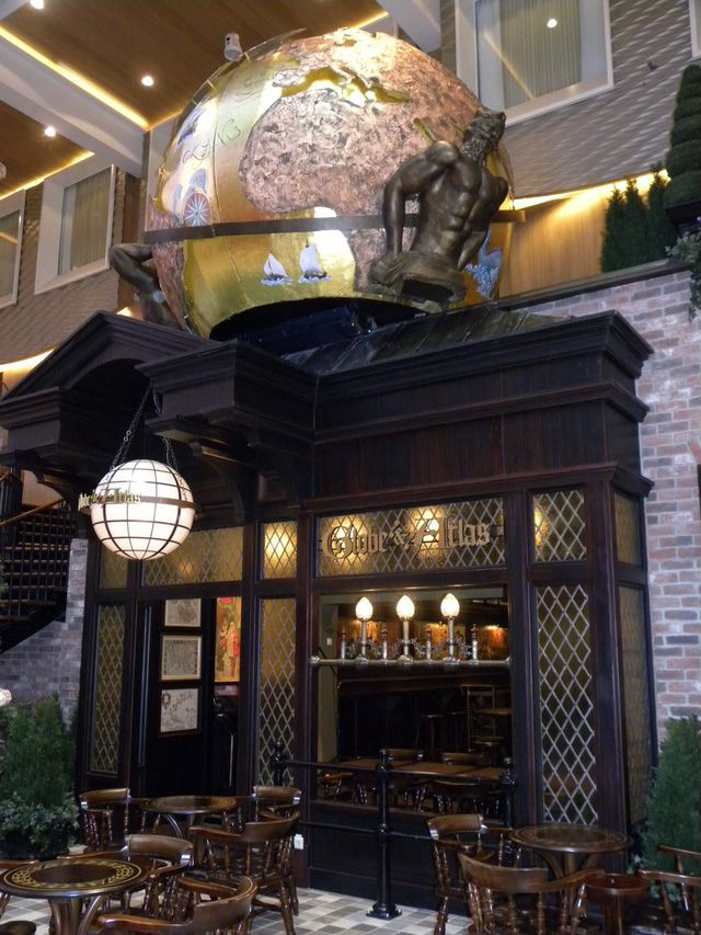 Oasis of the Seas - Globe and Atlas Pub