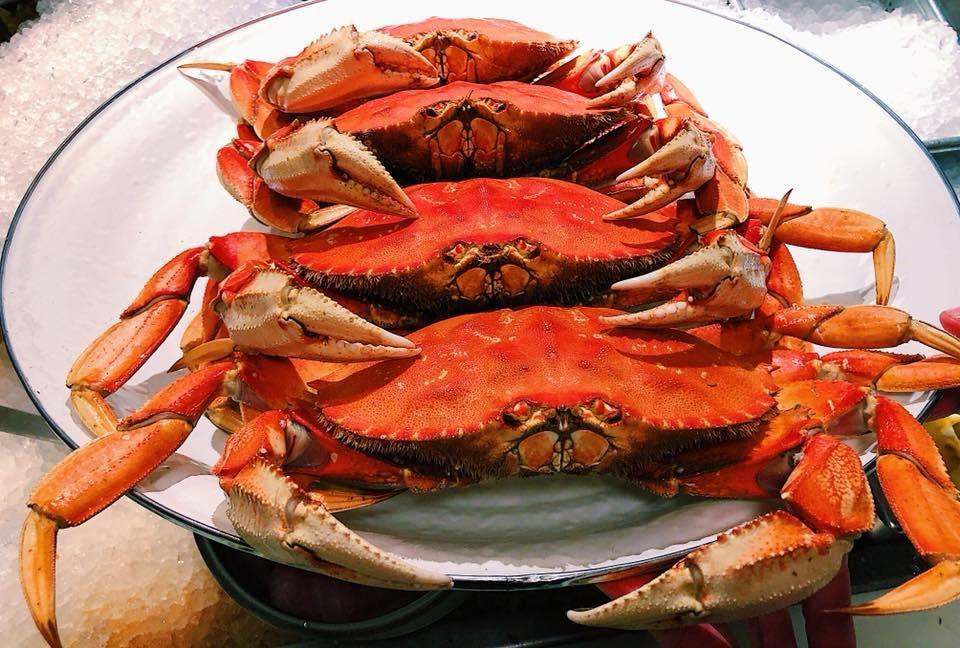 Dungeness crab at Anchor Oyster Bar